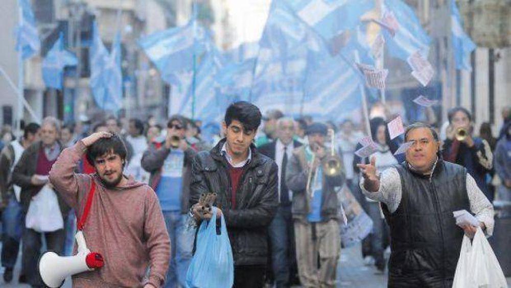 Con más paros y protestas, sindicatos ponen a prueba el tope salarial del Gobierno
