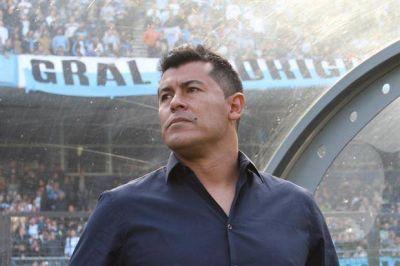 Tras la derrota en el clásico, Jorge Almirón dejó de ser el entrenador de Independiente