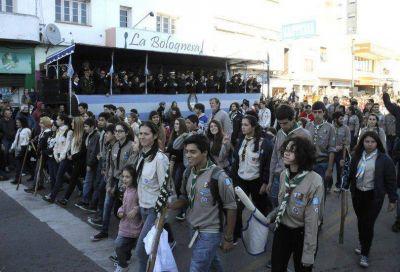 Con gran cantidad de público, Tandil celebró la Revolución de Mayo