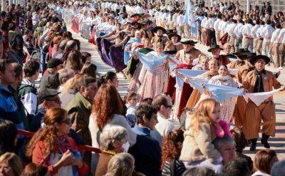 Más de 40 mil personas festejaron el 25 de Mayo en el Corsódromo