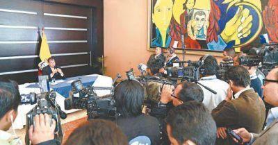 Correa acusa a los medios de estar fogoneando golpes en Am�rica Latina