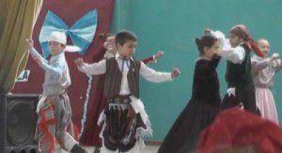 En Crespo se conmemoró un nuevo aniversario de la Revolución de Mayo