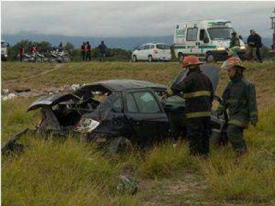 Murió en el acto al volcar con su auto en avenida Circunvalación