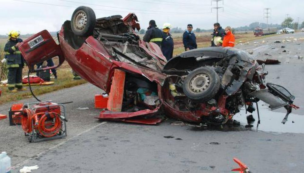 Otro choque frontal en la autopista a Rosario