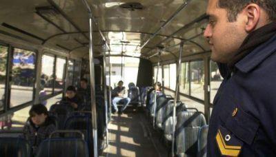 Policía controlará a pasajeros en el bondi