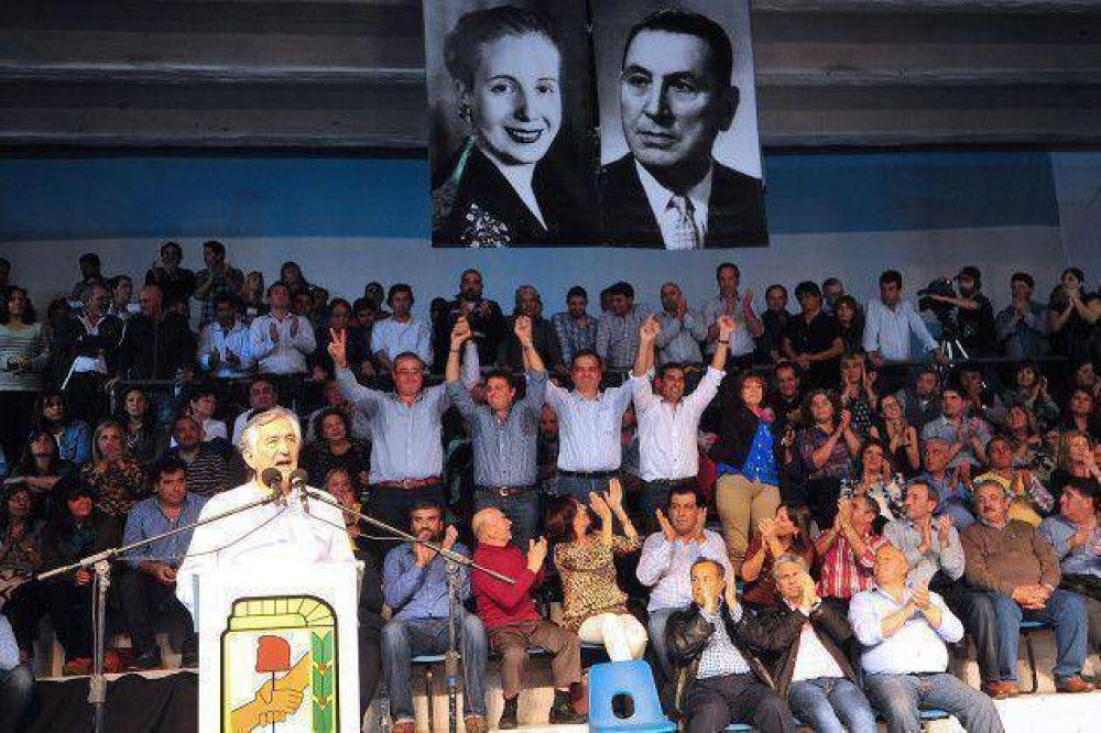 Dirigentes del PJ piden la renuncia de funcionarios que se presenten como candidatos en las PASO