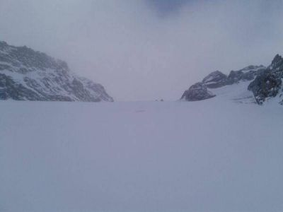 Advierten a turistas por las avalanchas producidas en el Glaciar Martial