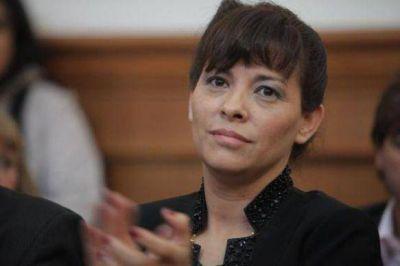 """Gabriela Peralta: """"quisiera que Pedro Muñoz diga el nombre y a quien se le paga"""" para ingresar al CPE"""