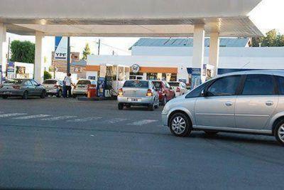 El Senado dio media sanción a la rebaja de los combustibles