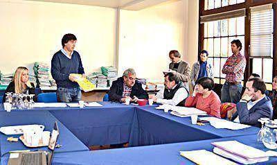 Sin los radicales, se reunió la Comisión de Turismo