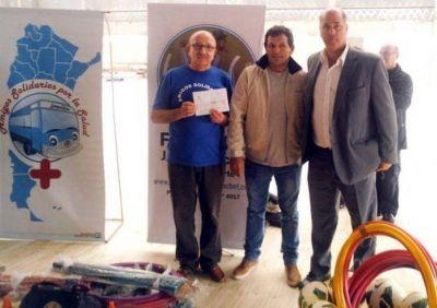 Juan Curuchet continúa realizando aportes solidarios a sectores mas vulnerables