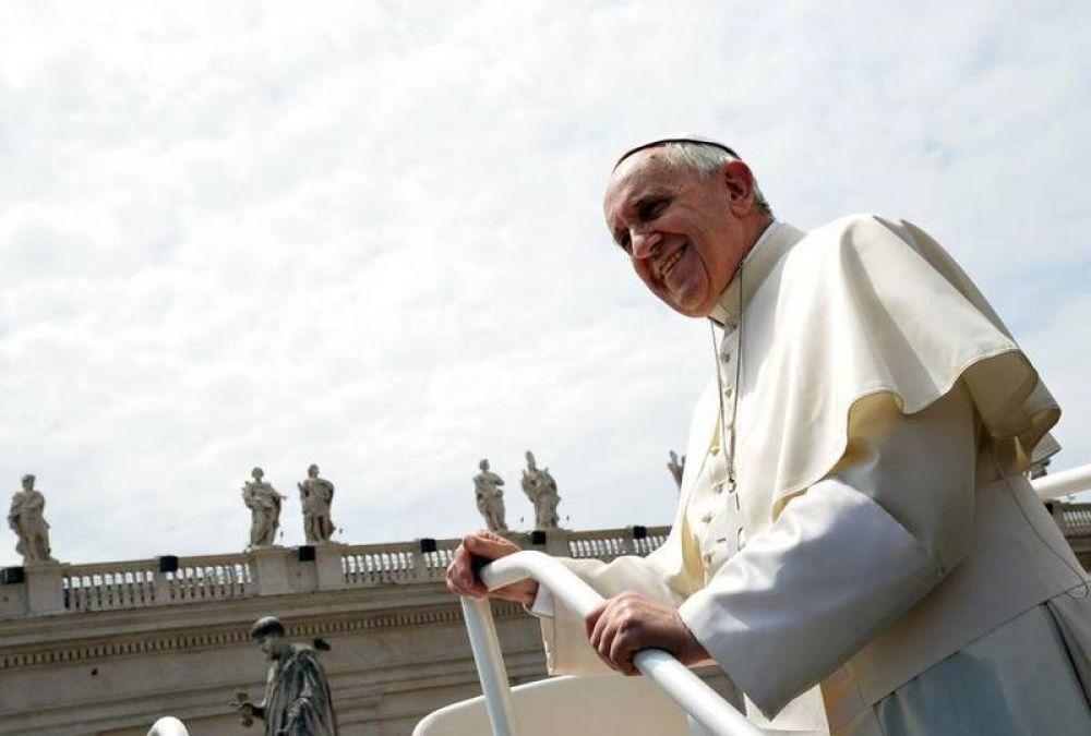«Los cristianos de salón, negociantes y rigoristas alejan de Dios»