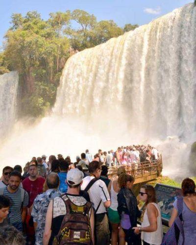 En lo que va del año, más de 650 mil personas pasaron por Iguazú