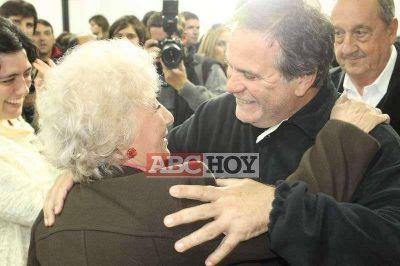 """Carlotto: """"todavía nos falta encontrar más de 300 nietos"""""""