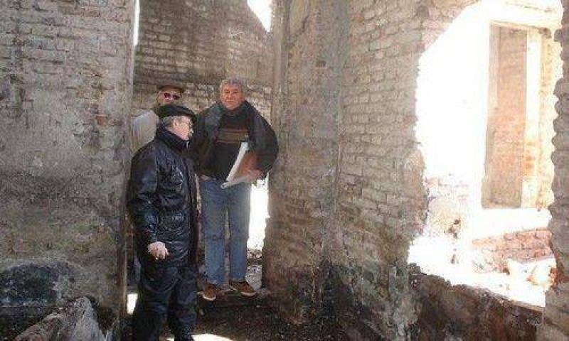 Inspeccionaron el ex molino harinero: un edificio del 1800.