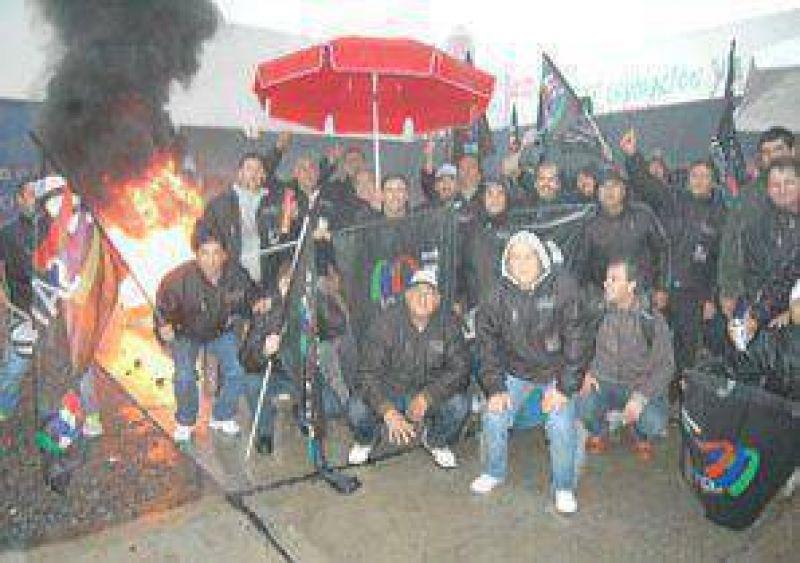 Dirigentes del Sindicato Argentino de Televisión se manifestaron en Junín