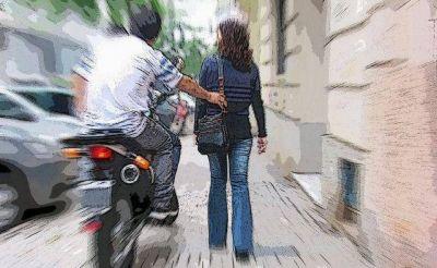 Motochorros roban 74 mil pesos