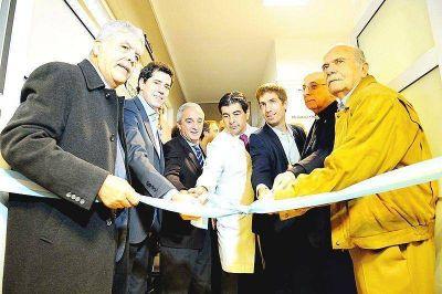 De Vido: Inauguró obras en el hospital y promete puesta en valor de la Catedral