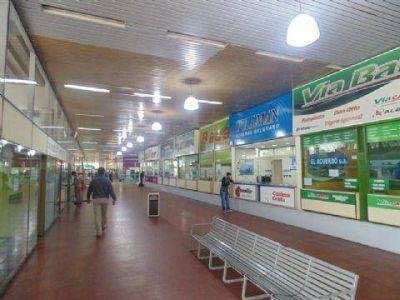 Nuevo llamado para explotar comercialmente los locales de la terminal