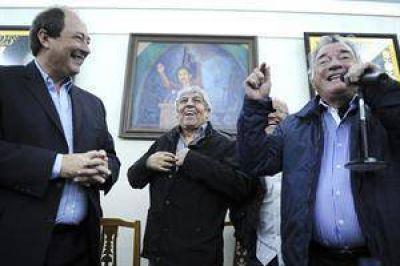 Sanz mostr� coincidencias con Moyano y Barrionuevo en la CGT