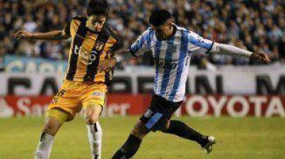 Racing empat� sin goles con Guaran� y qued� eliminado