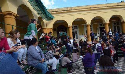 La agresi�n a un alumno de la Escuela Belgrano moviliz� a padres en reclamo de m�s seguridad