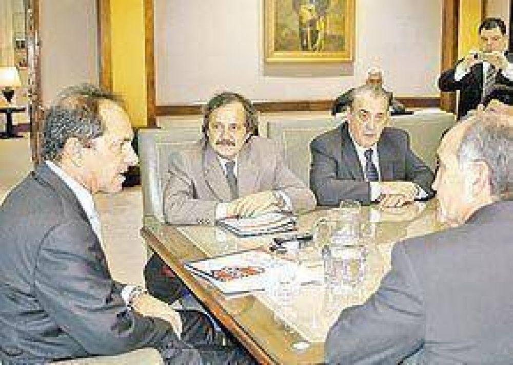 """La UCR vio a Scioli y pidió que se """"independice"""""""