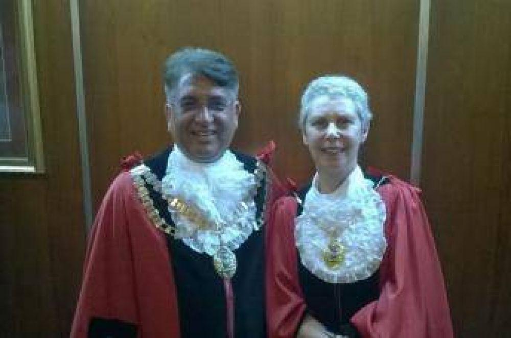 Asumió alcalde musulmán en una ciudad londinense