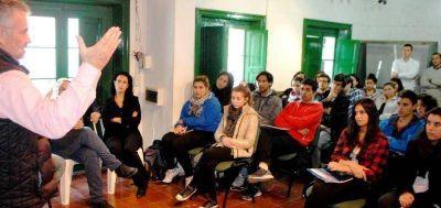 De alumnos de la licenciatura en turismo de la Universidad del Sur