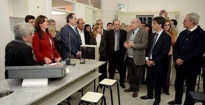 """""""Estamos orgullosos de los avances en la educación pública"""", afirmó Alperovich"""
