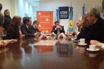La Provincia y la Universidad de Avellaneda formarán enfermeros con título universitario