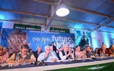 Elecciones 2015: Importante apoyo de intendentes y gremios a la candidatura de Juli�n Dom�nguez