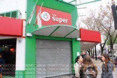 Cerró la sucursal céntrica de Los Súper y despidieron a más de 20 trabajadores
