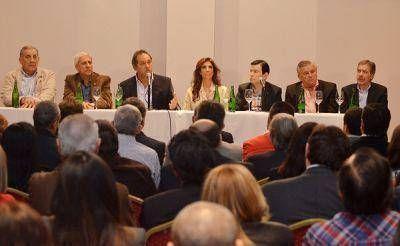 El Gobernador Scioli se reunió con el Frente Cívico por Santiago