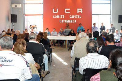UCR: exhortaron a Corpacci a cumplir con los dichos en mayo de 2014 y promulgar las PASO provinciales