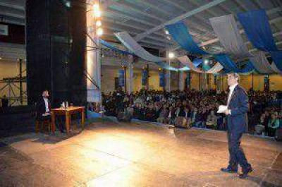 PAREDES URQUIZA Y FELIPE ÁLVAREZ PRESENTARON SU PLAN DE GOBIERNO MUNICIPAL PARA LOS PRÓXIMOS CUATRO AÑOS