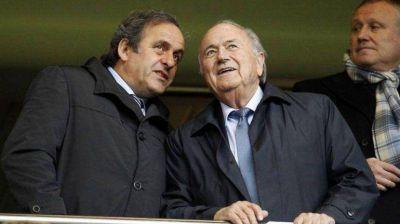 Platini prepara una respuesta de la UEFA contra Blatter