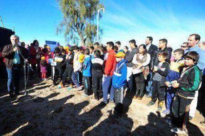 Poggi inauguró obras eléctricas e hídricas en La Punta