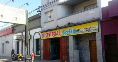 """Por """"problemas de sanidad"""" clausuraron supermercado ubicado en Mitre al 600"""
