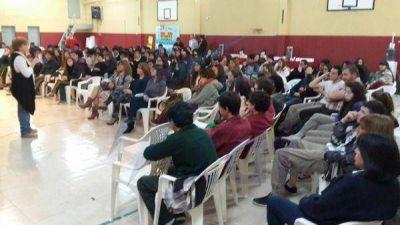 Legisladores brindaron charla con estudiantes por el Voto Joven