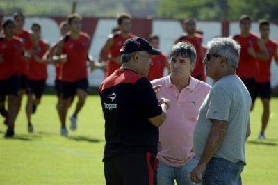 El Tolo Gallego dejó de ser el técnico de Newell´s