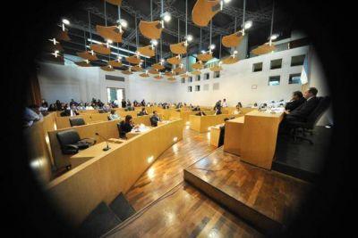 Tras el acuerdo opositor, el alperovichismo vuelve a ser mayoría en el Concejo Deliberante de la capital