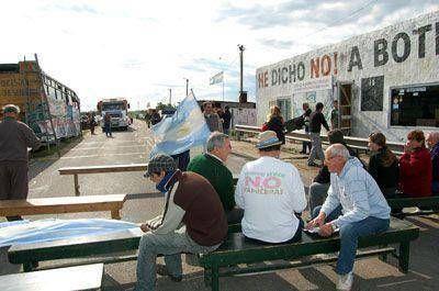 La Asamblea de Gualeguaych� recordar� que a cinco a�os de levantar el corte, Botnia sigue contaminando