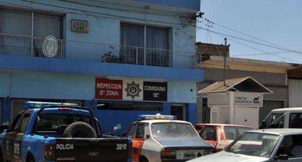 Descubren haciendo adicionales a policía en disponibilidad