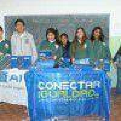Alumnos de Las Heras y Perito Moreno recibieron nuevas Netbooks