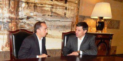 JUAN RIPA EN BUENOS AIRES : Equipos de Gobierno de Buzzi y Scioli preparan plataforma turística