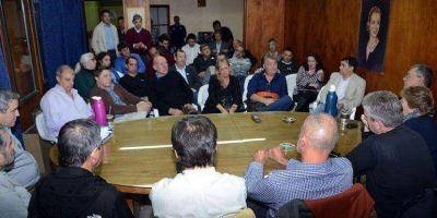 FRENTE PARA LA VICTORIA: 18 precandidatos a intendente ya firmaron la aceptación de cargo para las próximas elecciones