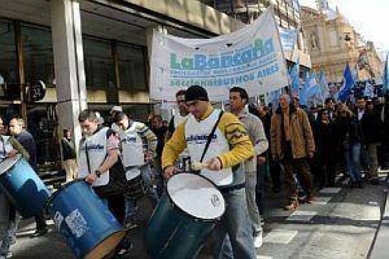 Bancarios: postergan reunión con Gobierno y se dilata la paritaria