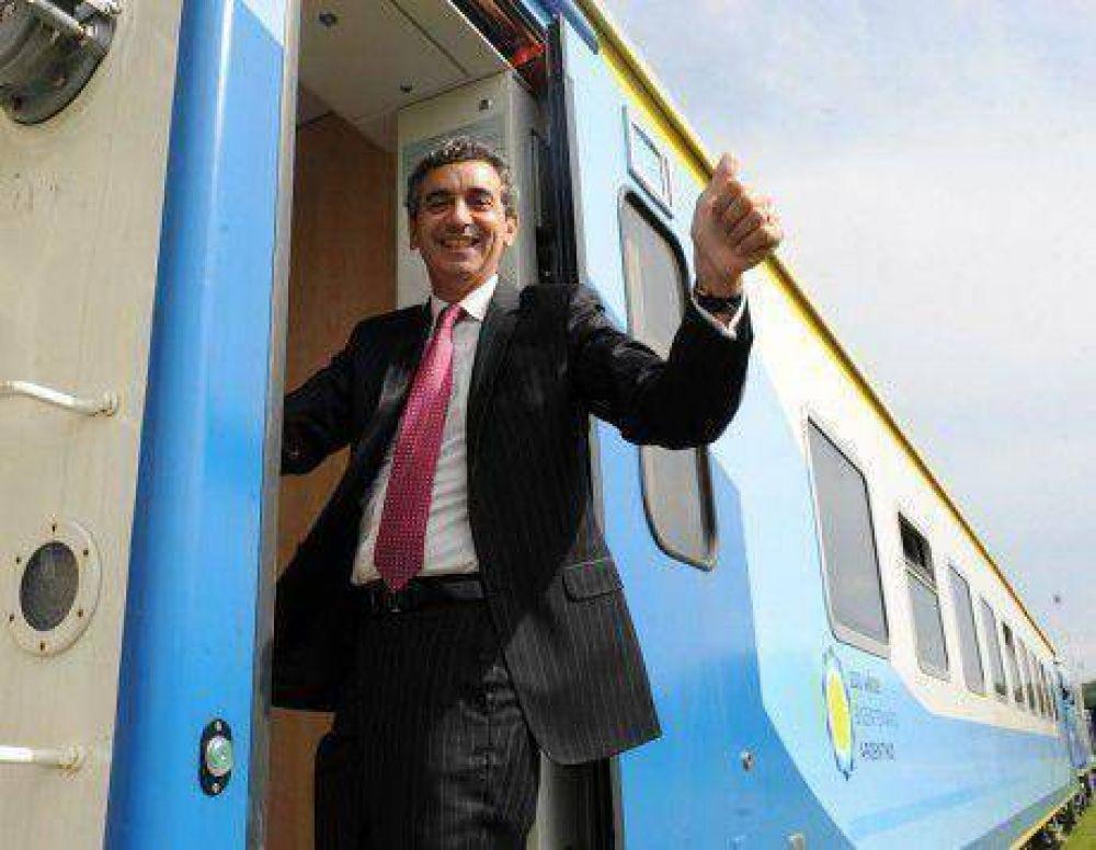 Randazzo recorrió obras y aseguró que en septiembre el tren llegará a Roca