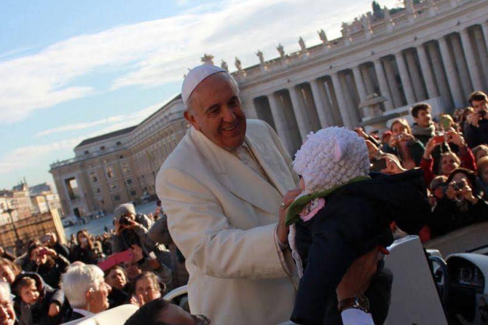 Papa Francisco: Debe avergonzarnos que tantas familias vivan en la pobreza